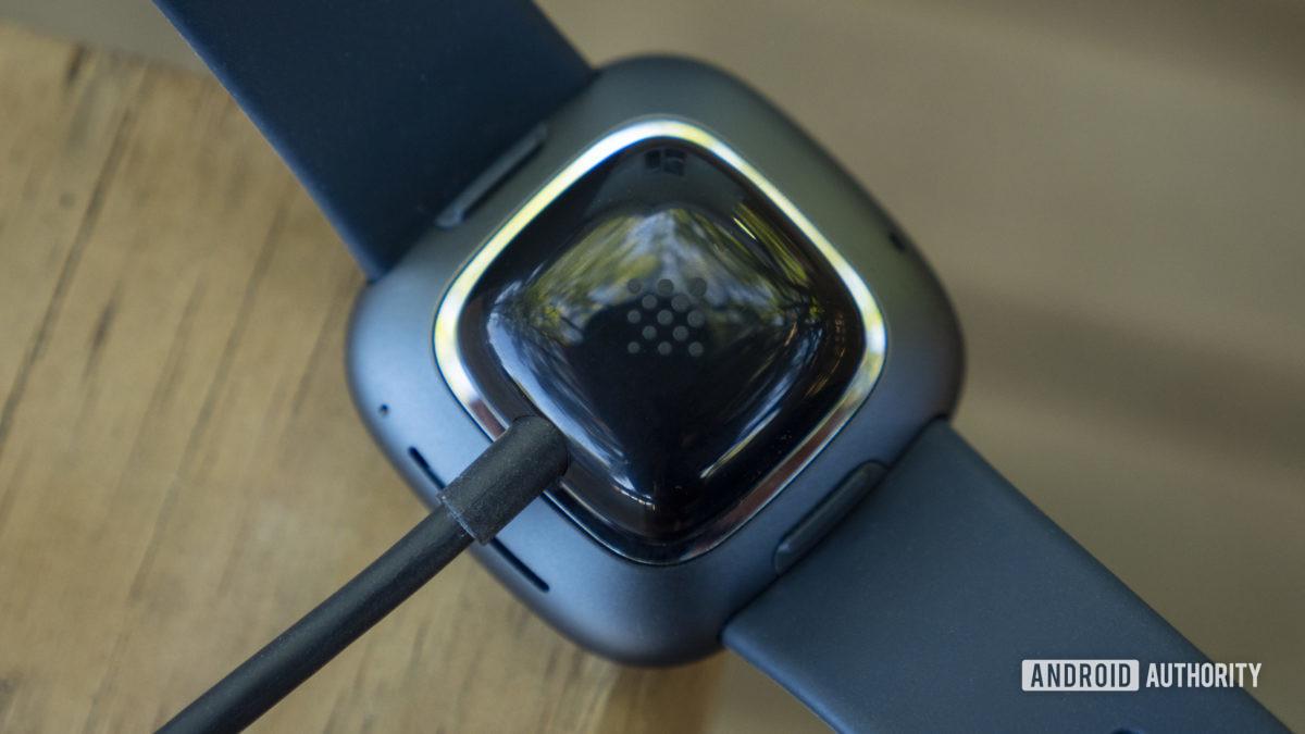 Fitbit sense review duración de la batería del cargador