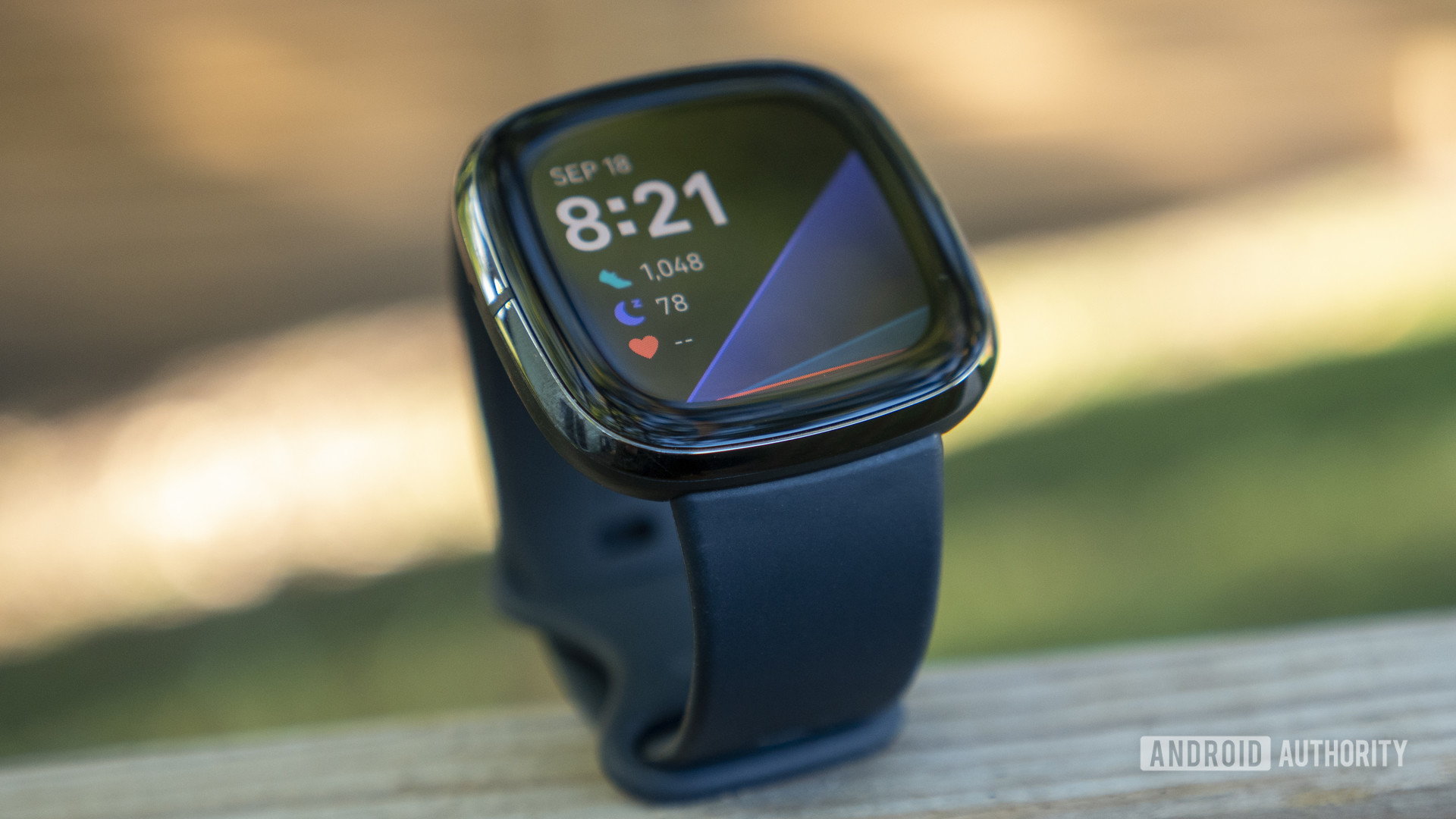 fitbit sense review design display watch face 4