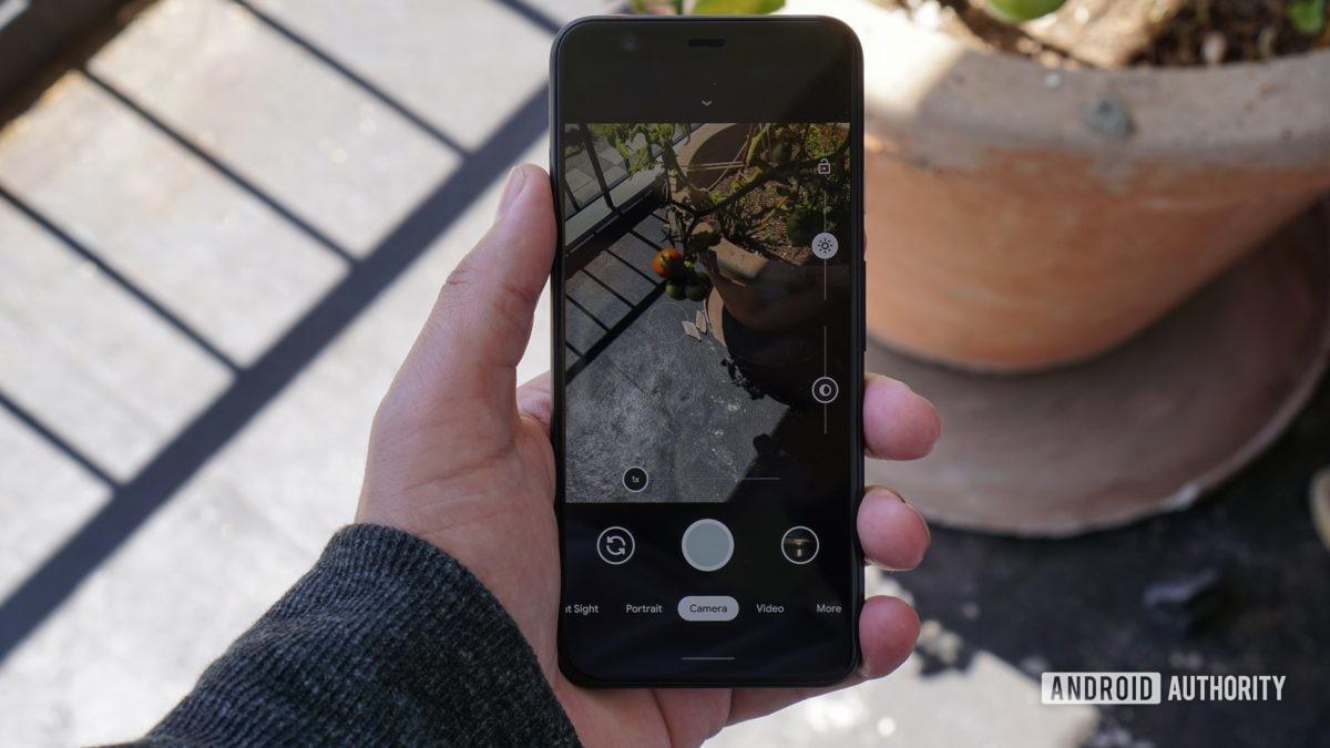 Google Pixel 4 dual exposure controls