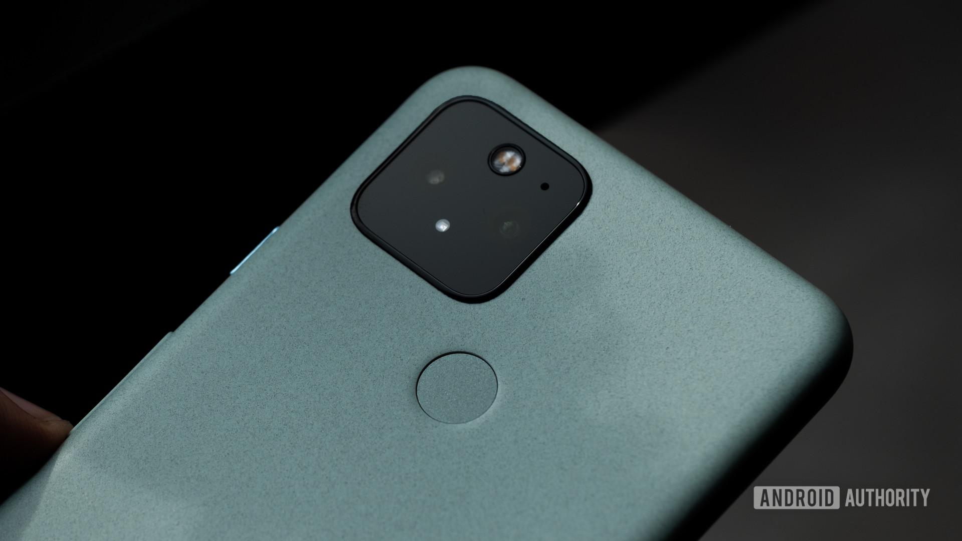 Google Pixel 5 camera macro 7