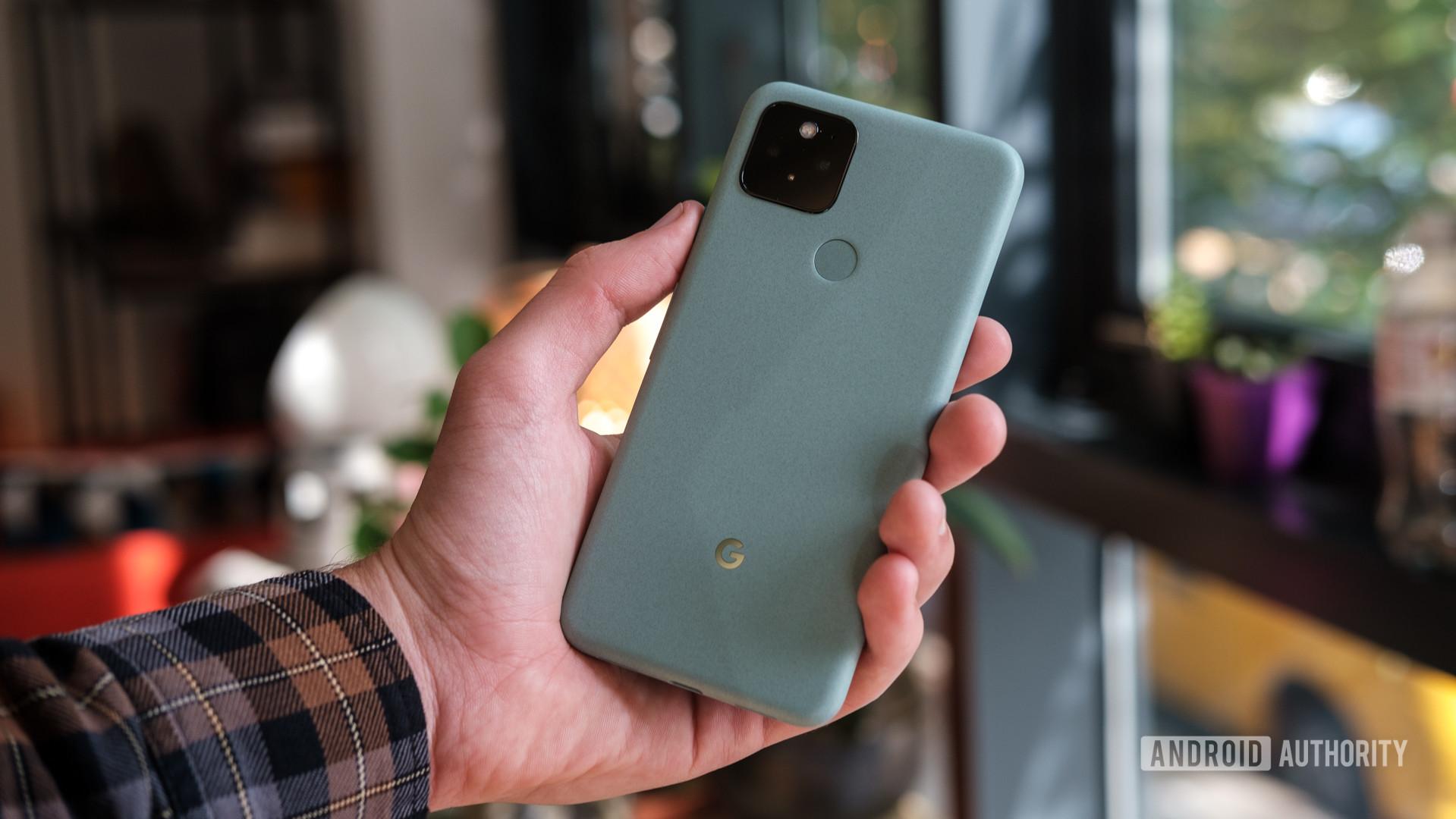 Google Pixel 5 in hand 2