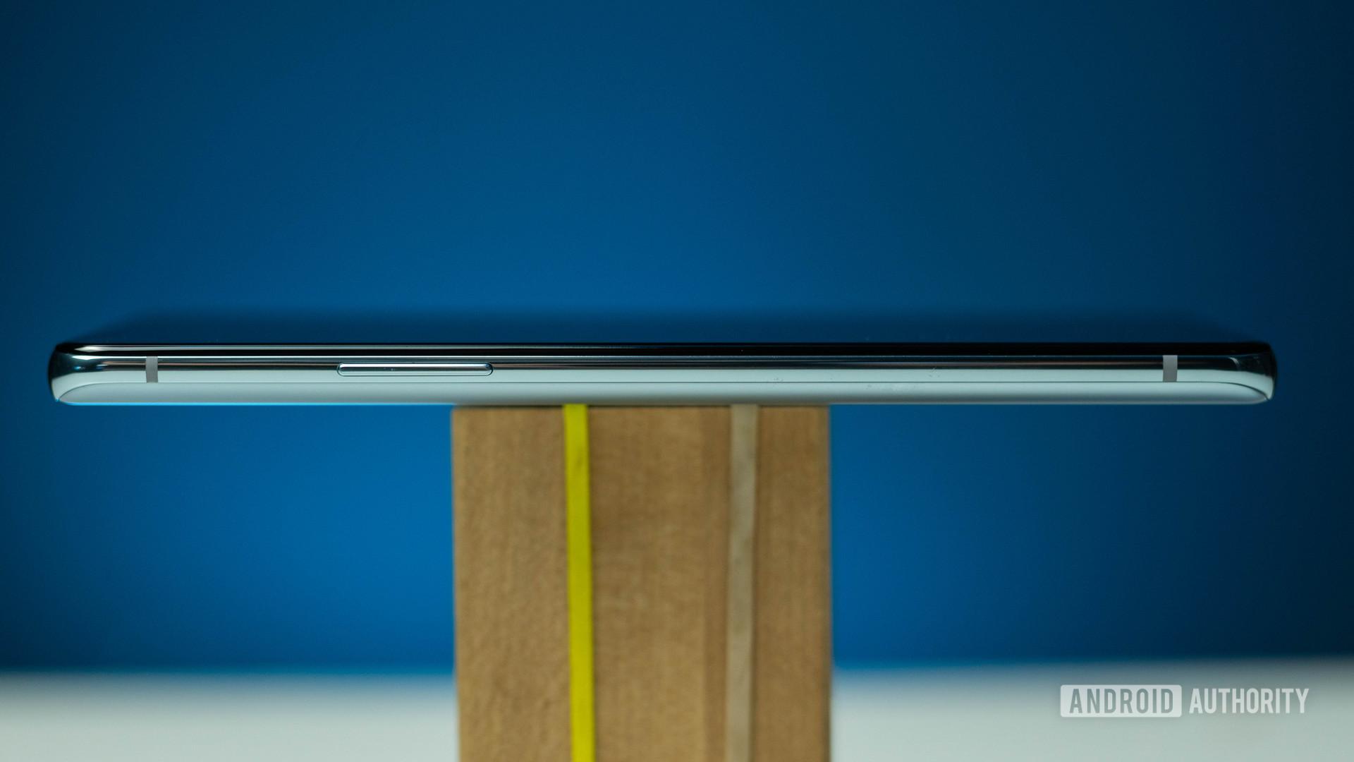 OnePlus 8T left view