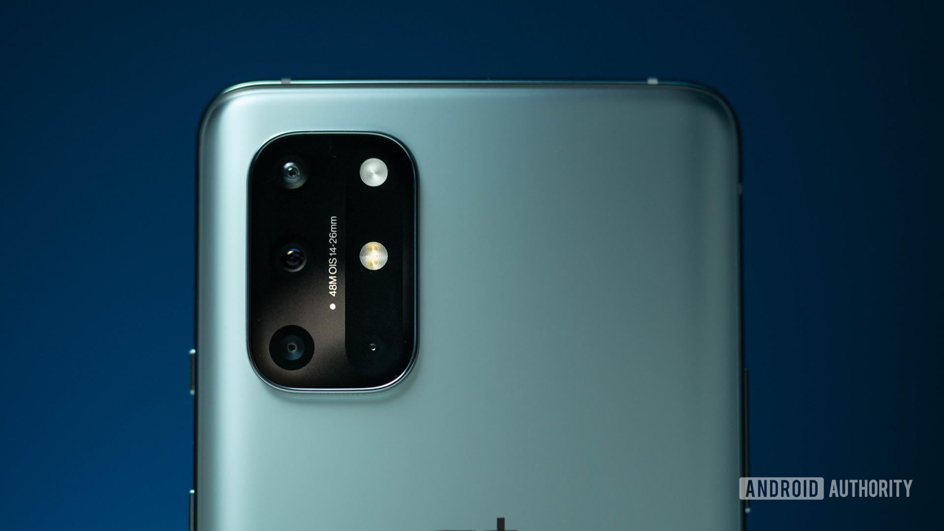 OnePlus 8T rear quad camera bump