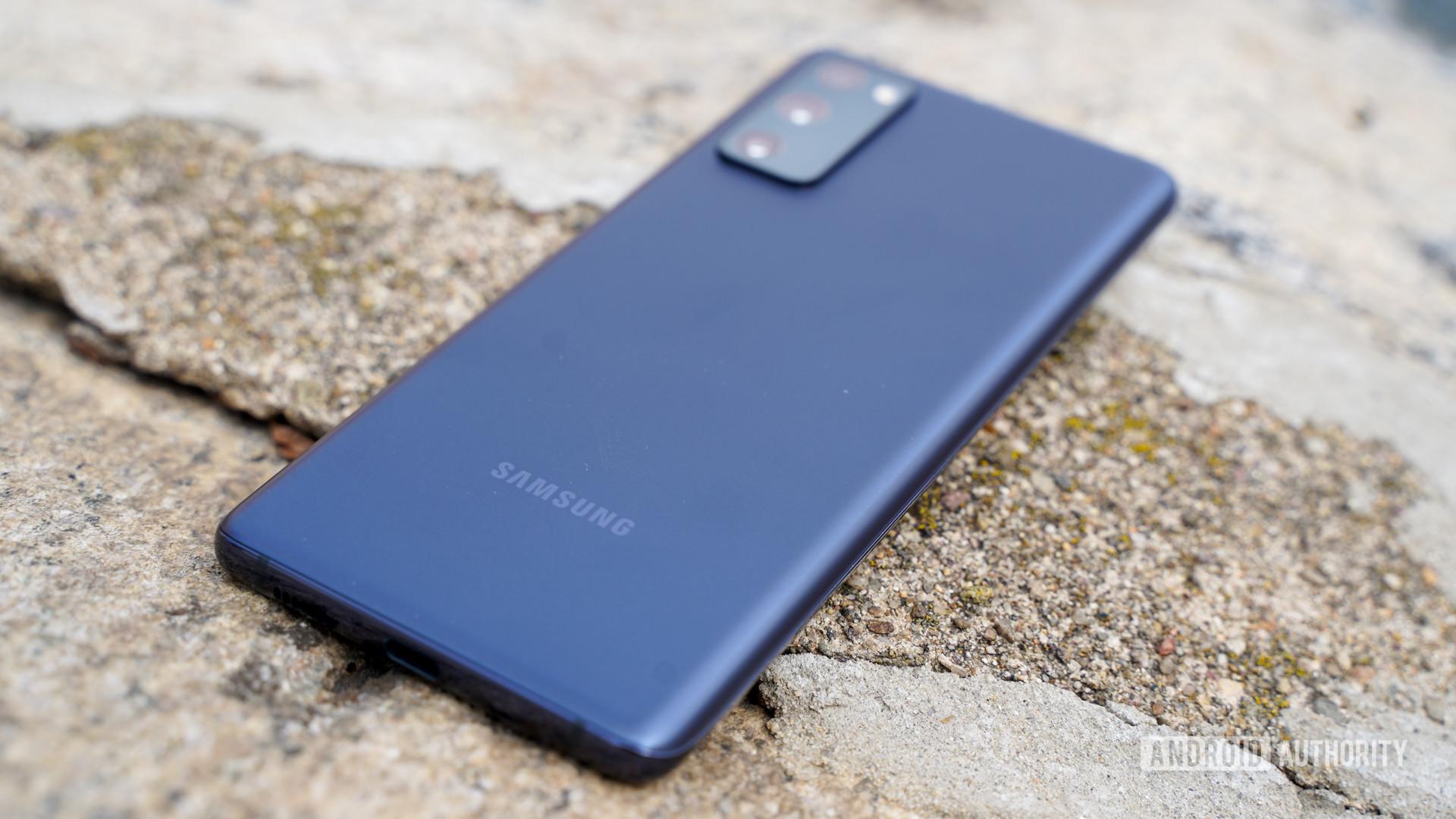 Samsung Galaxy S20 FE rear profile 1