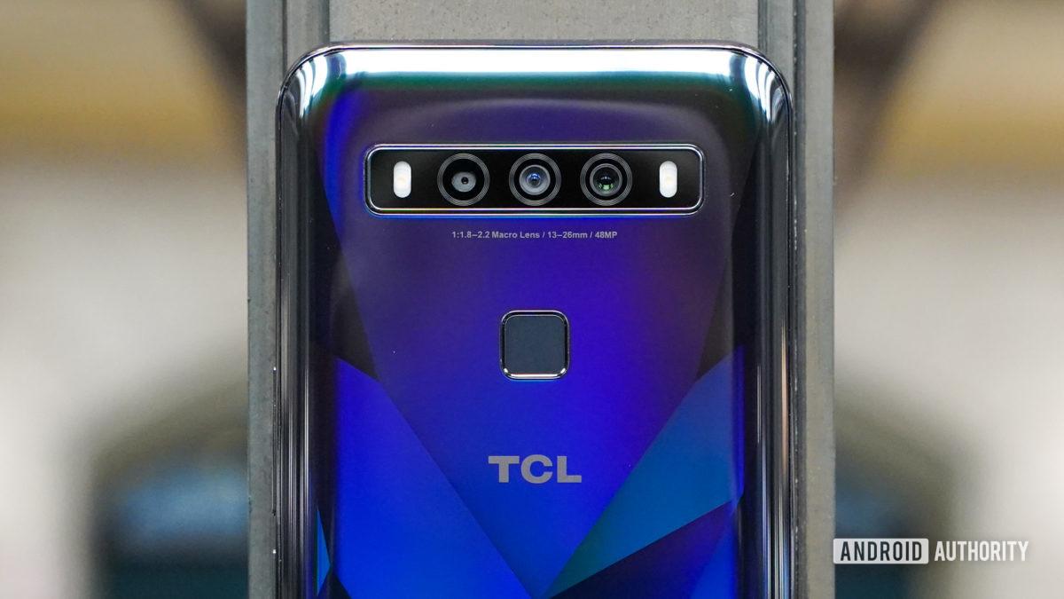 TCL 10 5G UW camera