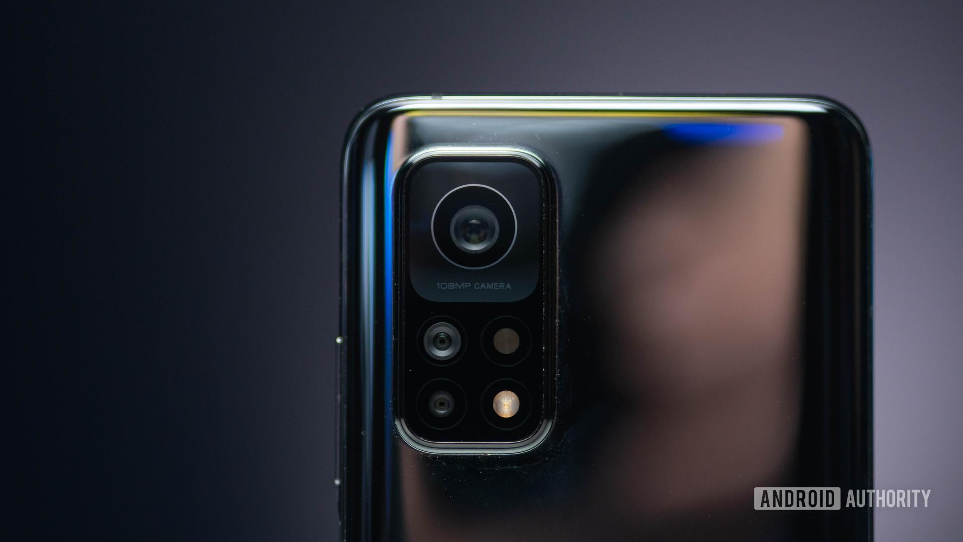 Xiaomi Mi 10T Pro domino camera bump