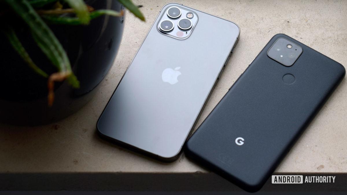 Google Pixel 5 vs Apple iPhone Pro EOY 2020
