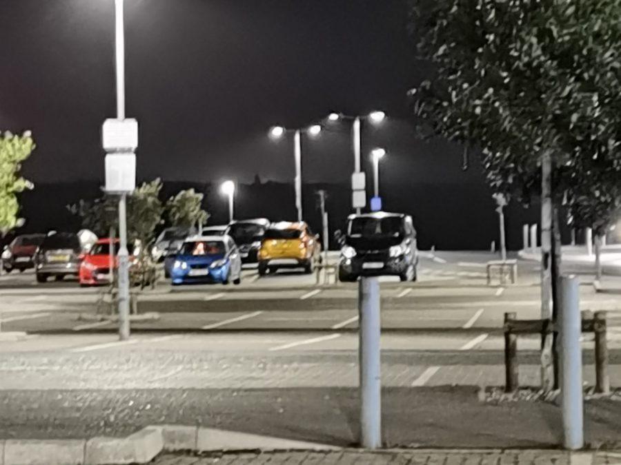 Huawei Mate 40 Pro 5x night shot of a car park