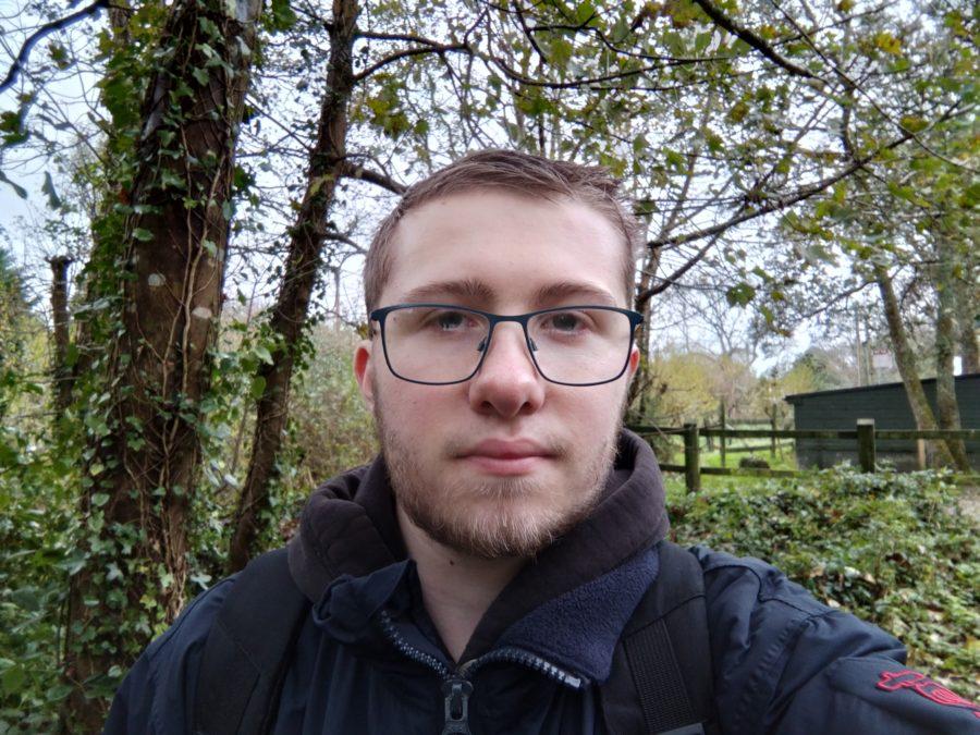 OnePlus Nord N100 selfie photo sample in a woods