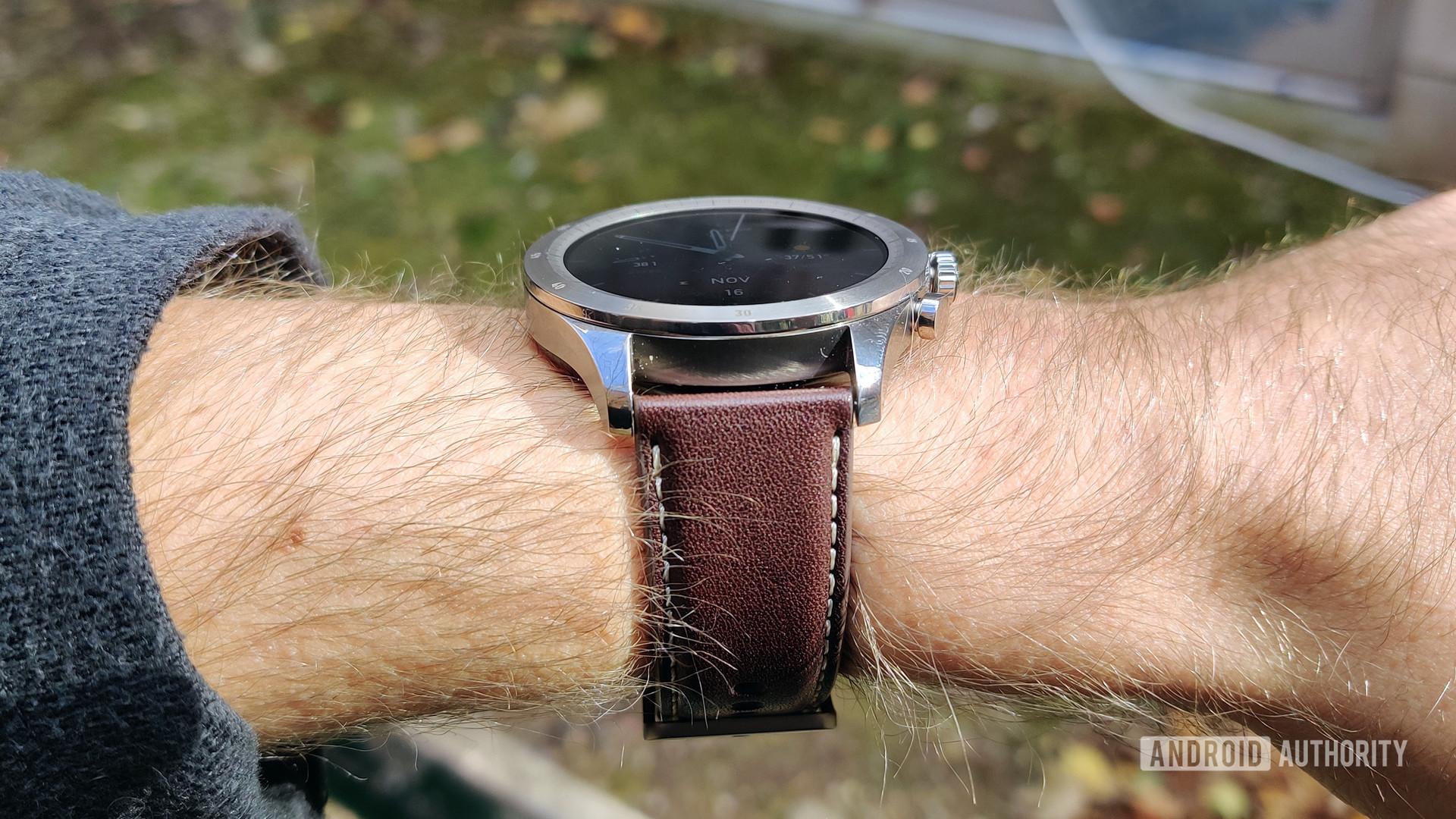 Zepp Z Review on Wrist Profile