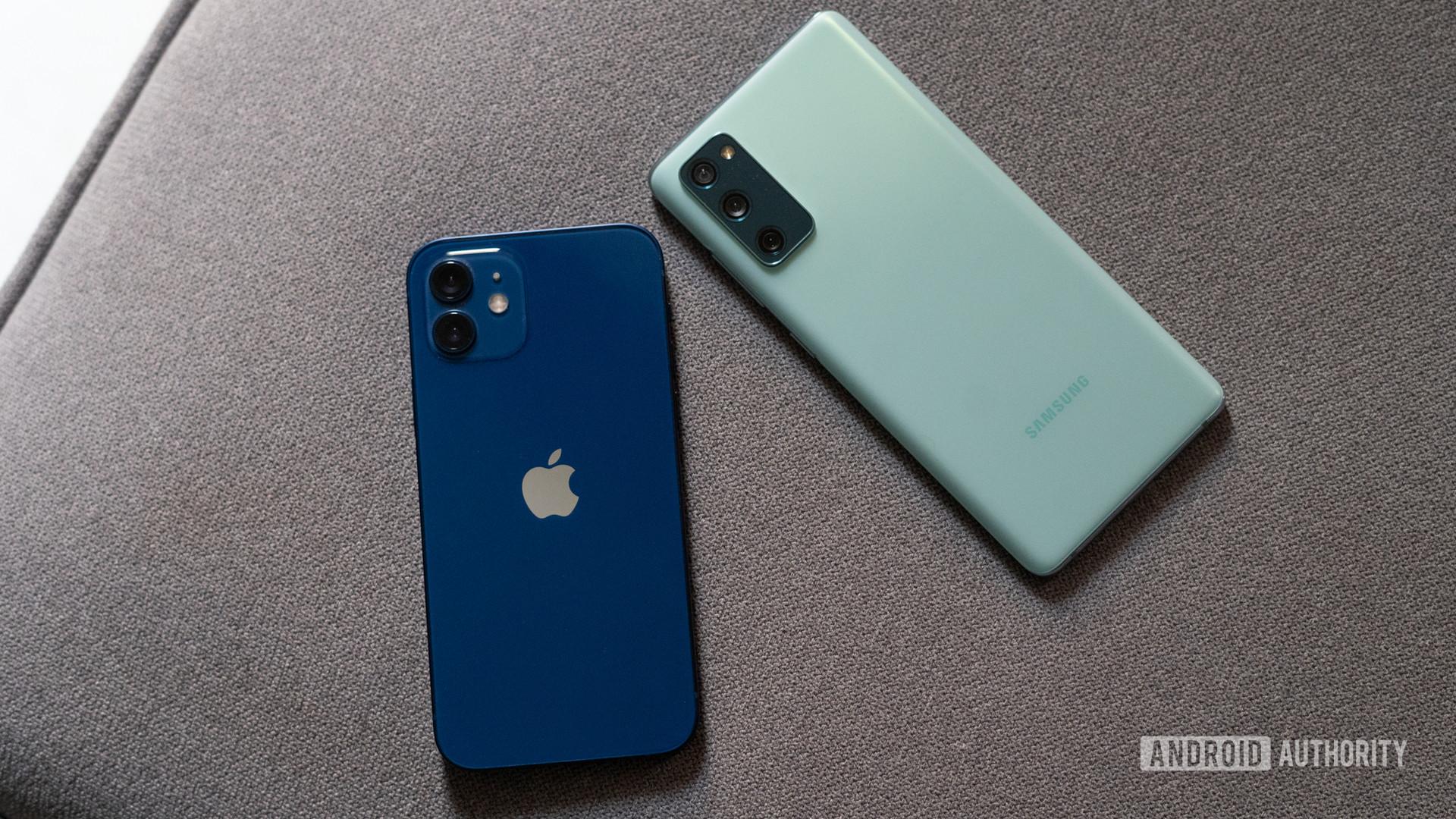 iPhone 12 vs Samsung Galaxy S20 FE top down