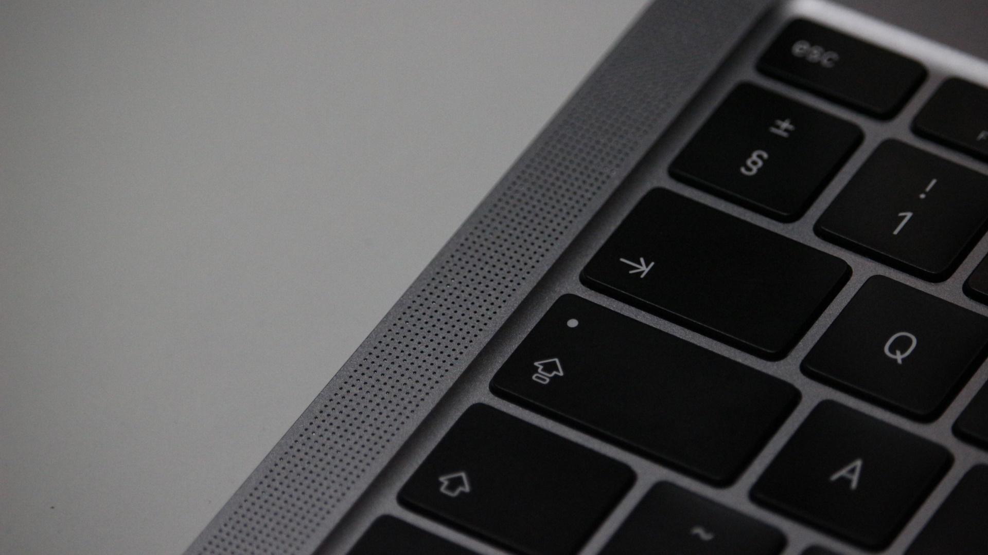 Apple MacBook Air M1 left speaker grill