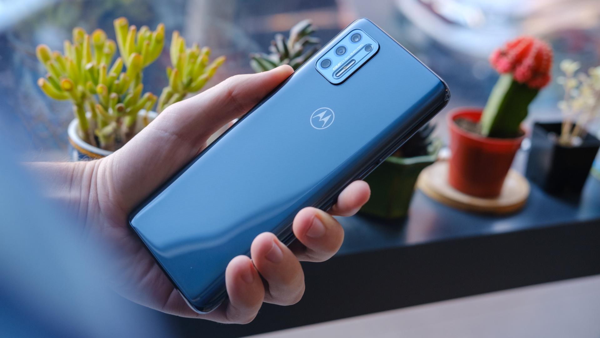 Moto G Stylus 2021 back of phone in hand