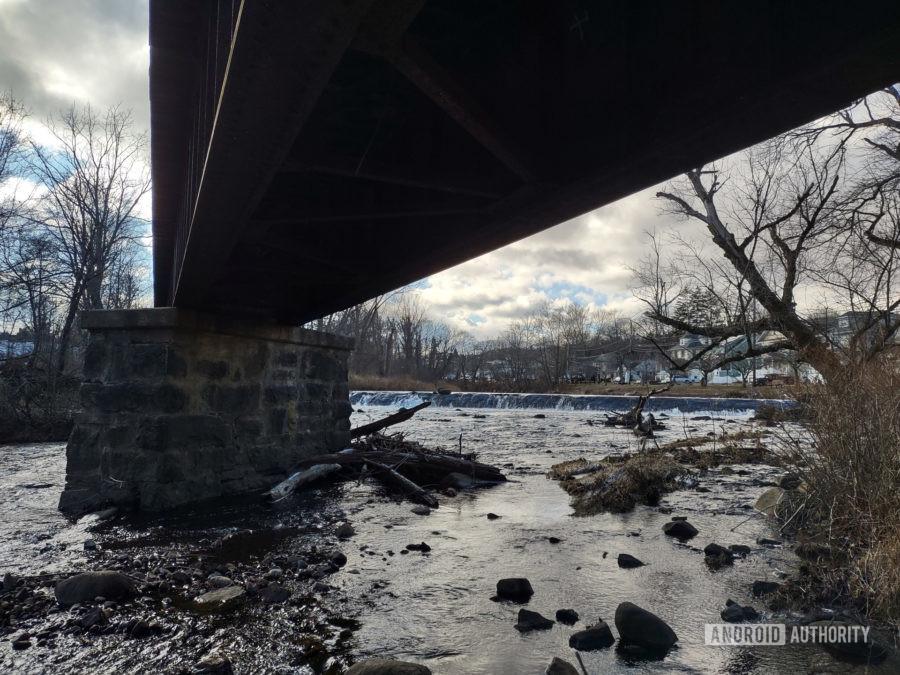 Motorola One 5G Ace photo sample HDR under bridge