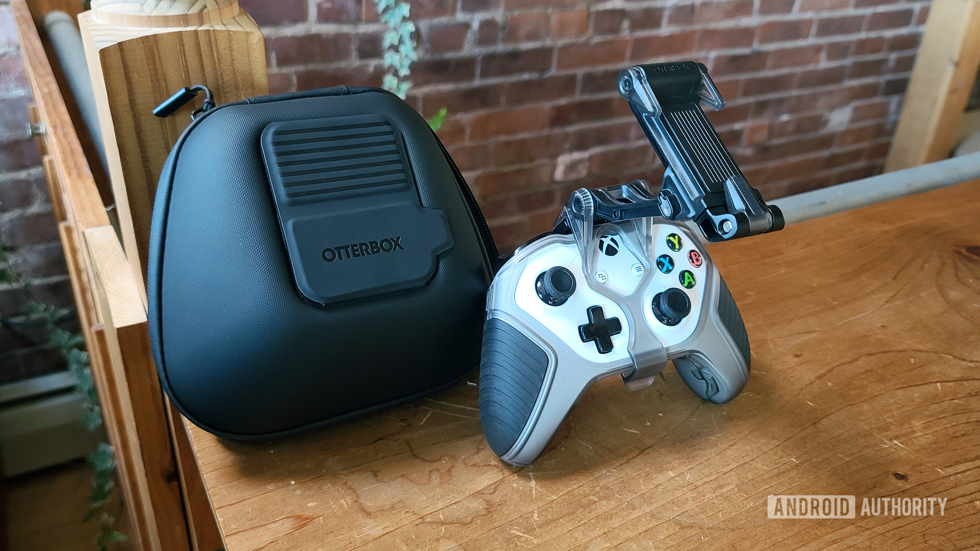 OtterBox Gaming Full Kit