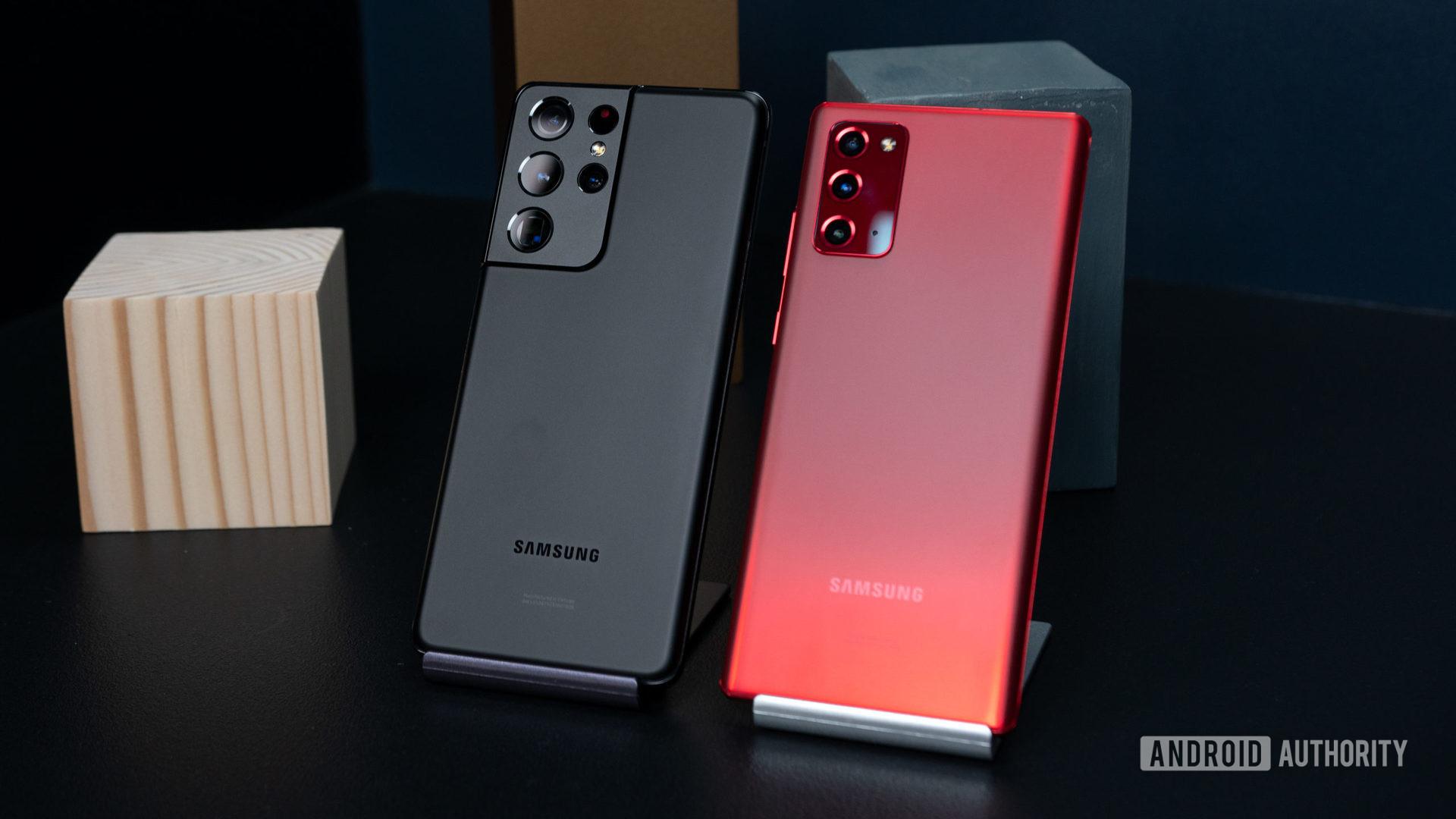 Samsung Galaxy S21 Ultra vs Samsung Galaxy Note 20 3