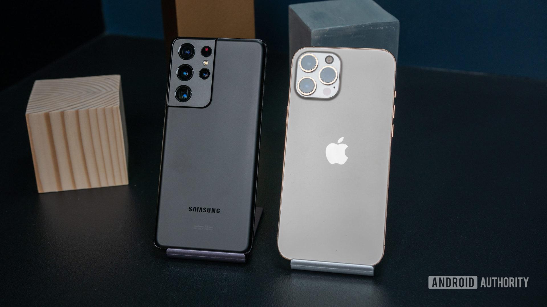 Samsung Galaxy S21 Ultra vs iPhone 12 Pro Max 2