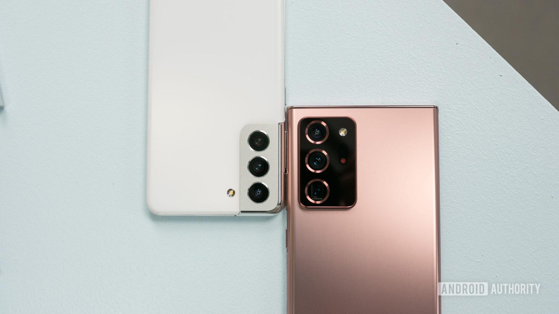 Samsung Galaxy S21 vs Samsung Galaxy Note 20 Ultra 1