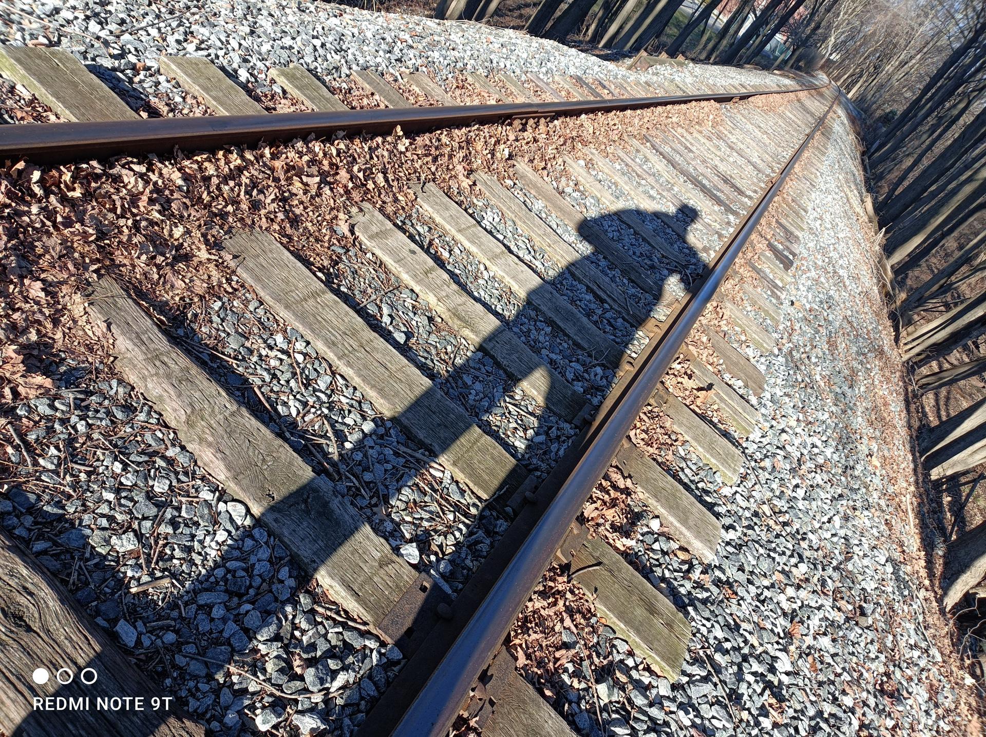 Xiaomi Redmi Note 9T photo sample shadow