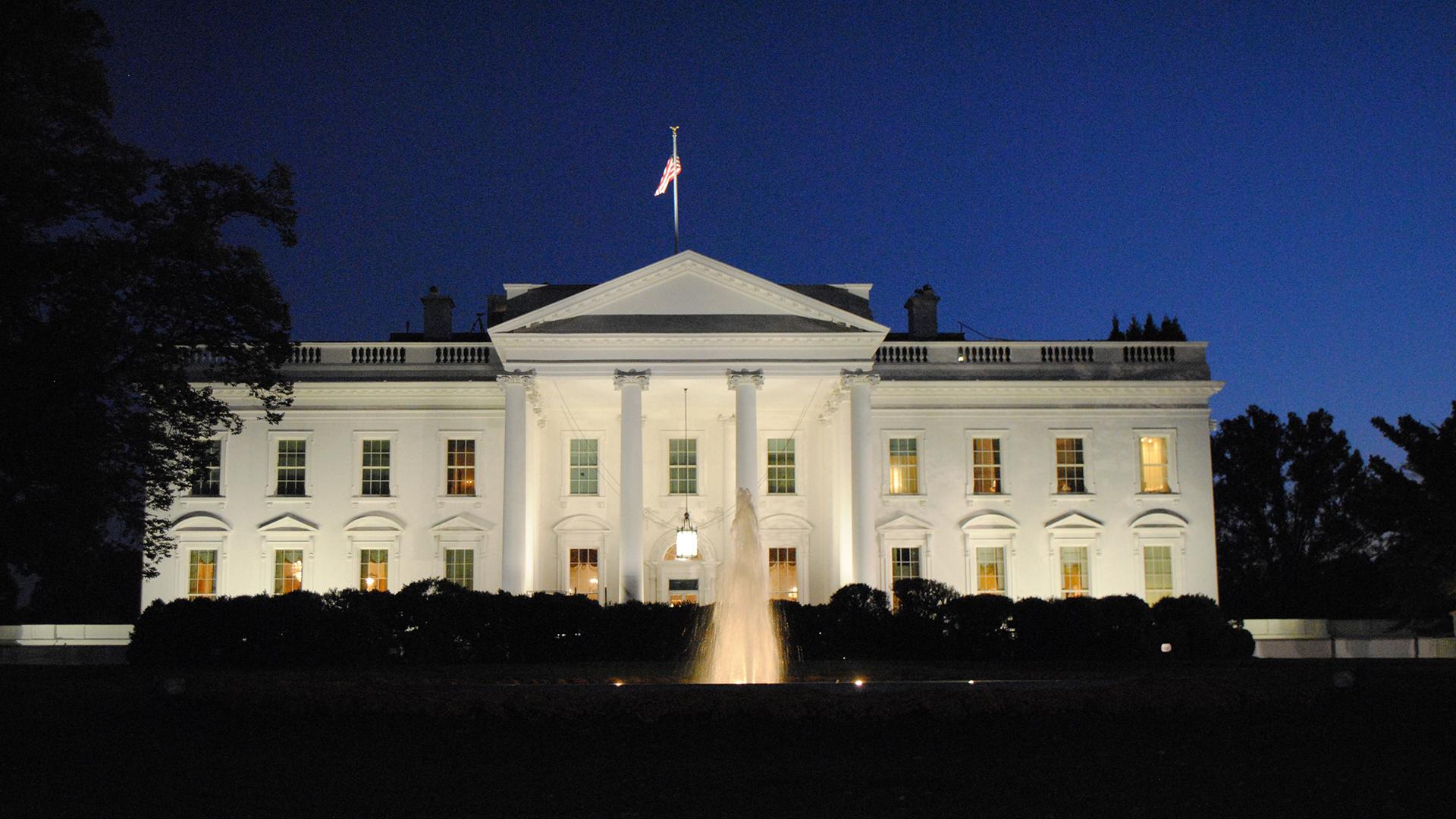 white house dark mode night