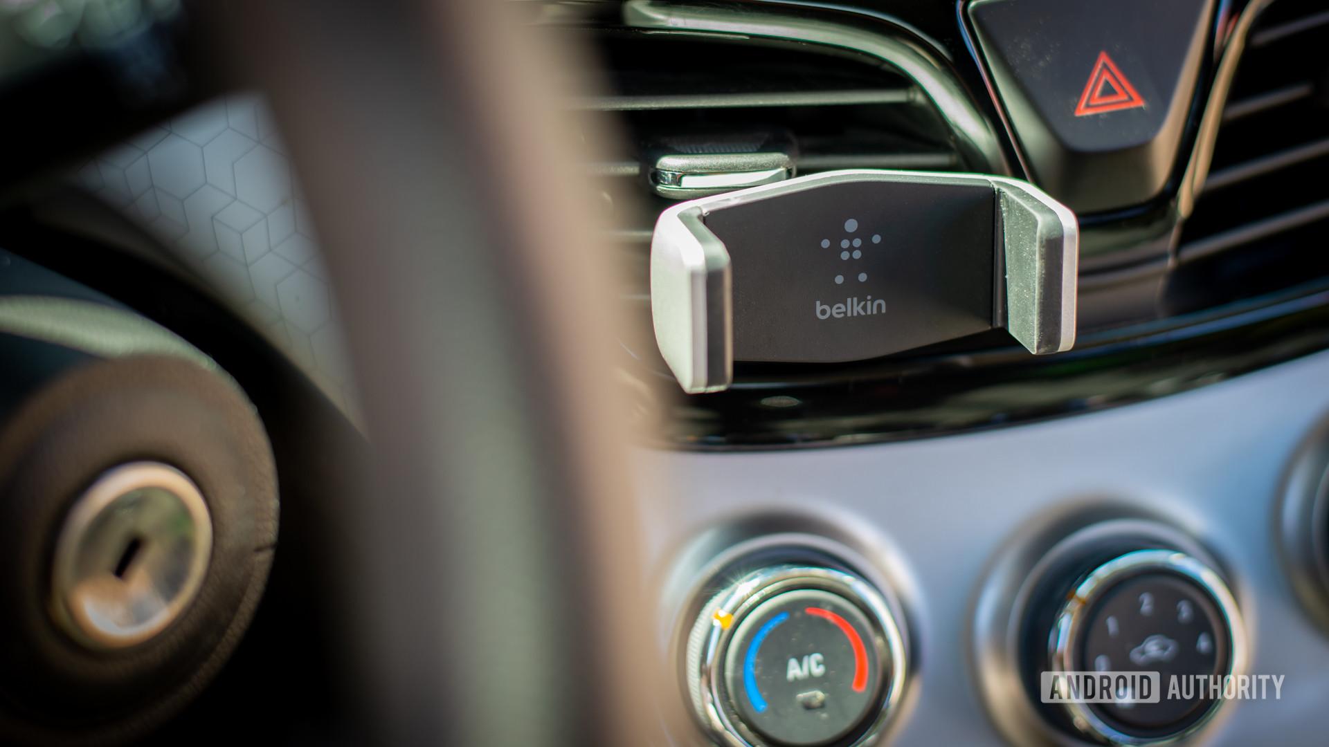 Belkin Universal Car Vent Mount review 1