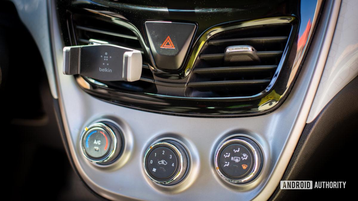 Belkin Universal Car Vent Mount review 2