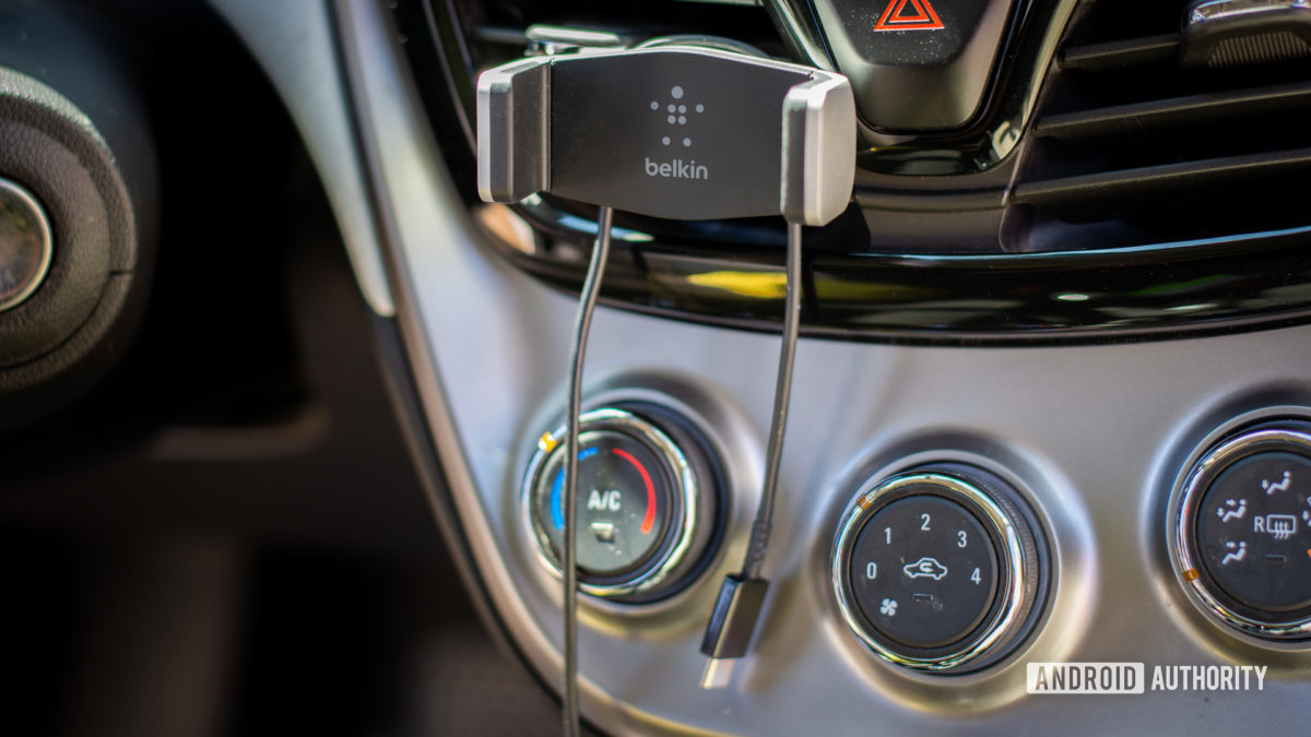Belkin Universal Car Vent Mount review 4