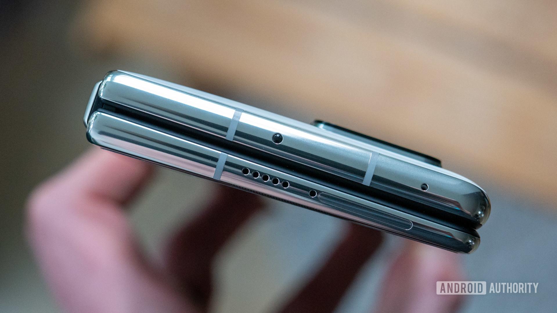 Huawei Mate X2 top edge in hand