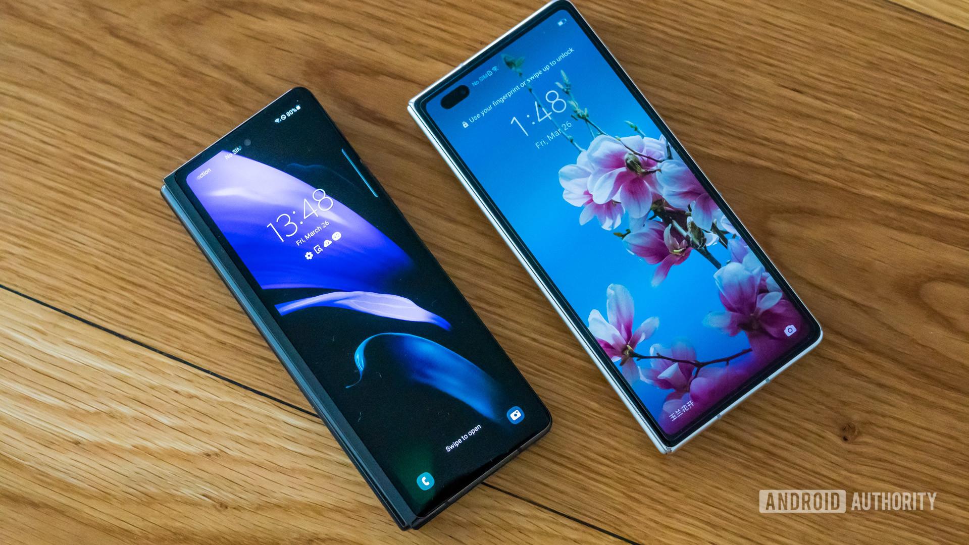 Huawei Mate X2 vs Samsung Galaxy Z Fold 2 external screen face up on table