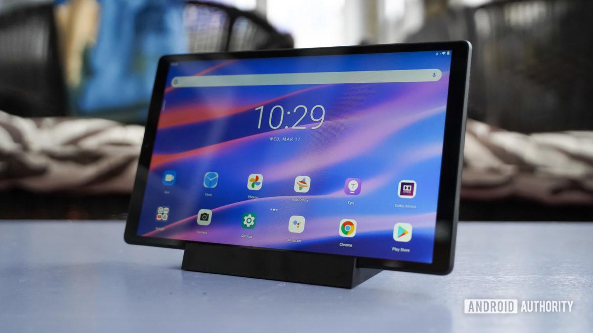 Lenovo Smart Tab M10 HD with smart dock