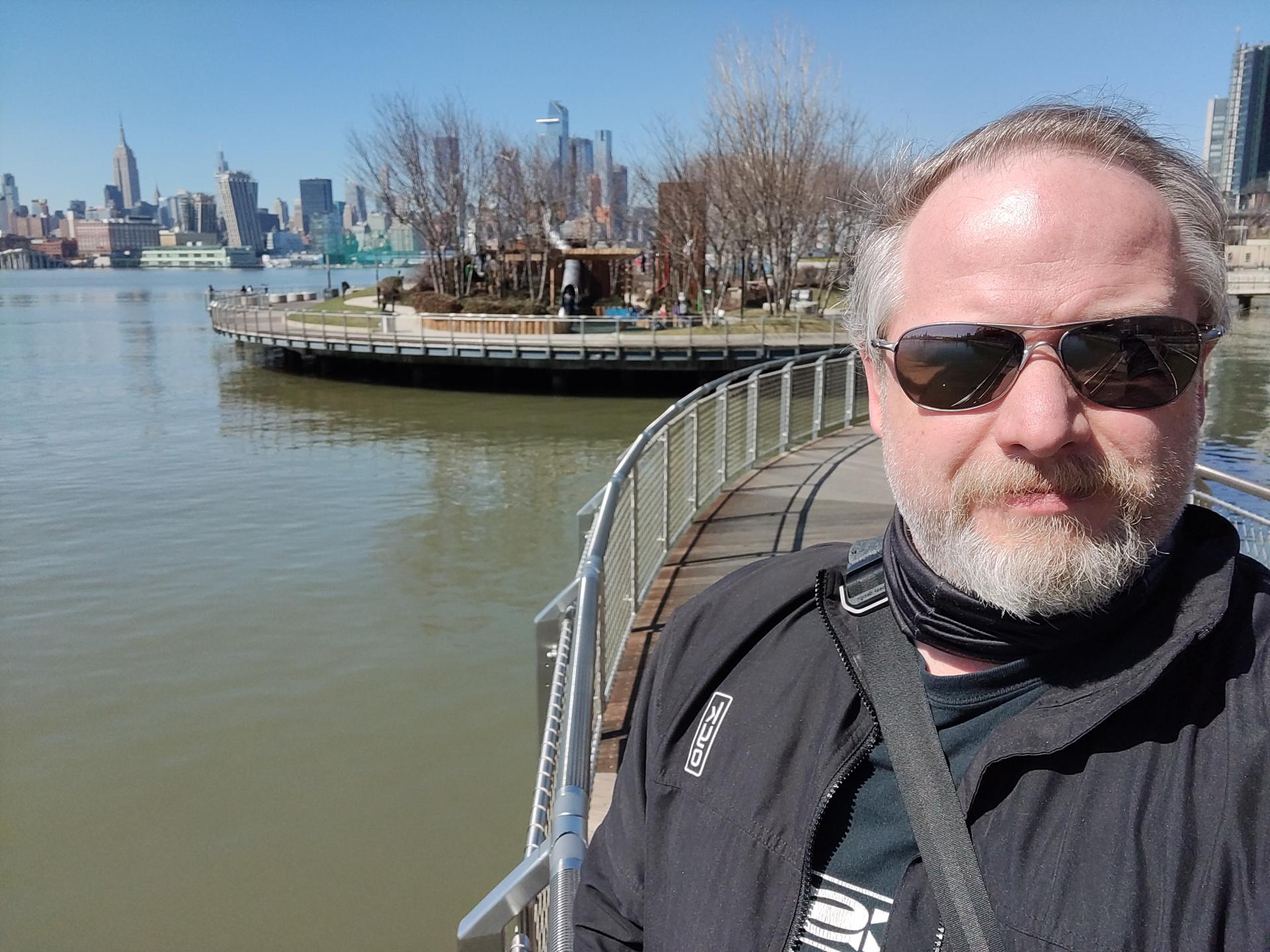 OnePlus 9 Pro photo sample selfie
