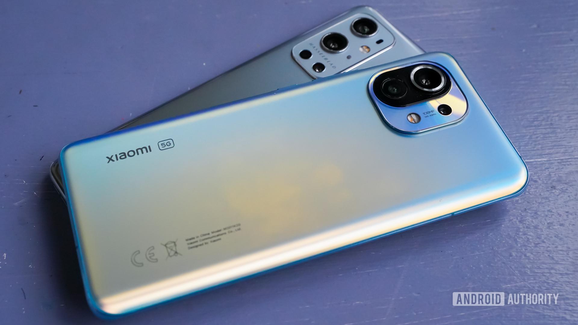 OnePlus 9 Pro vs Xiaomi Mi 11 Xiaomi on top