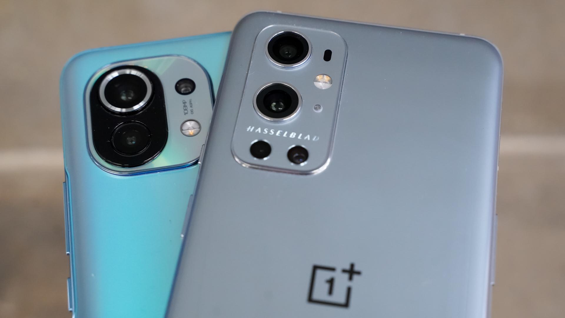 OnePlus 9 Pro vs Xiaomi Mi 11 silver pro