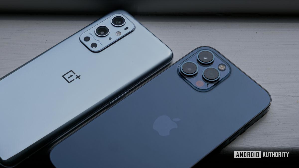 OnePlus 9 Pro vs iPhone 12 Pro Max cameras on windowsill