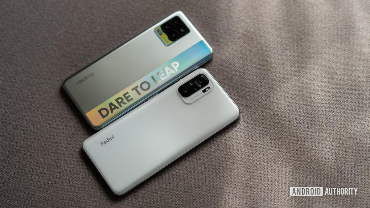 Realme 8 vs Redmi Note 10 from side