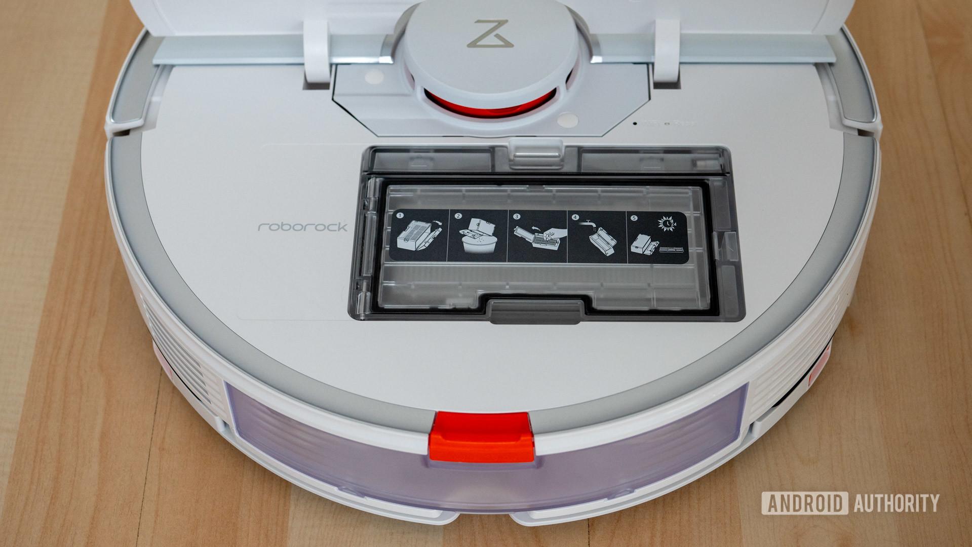 Roborock S7 robot vacuum mop inside flap dust bin