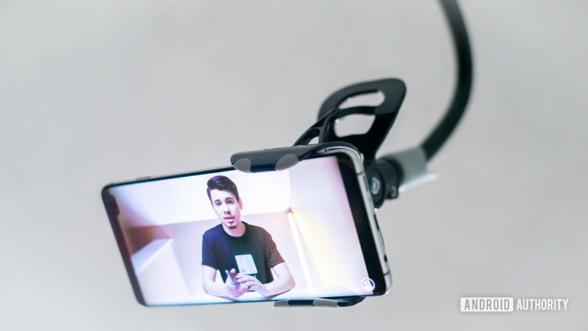 Saiji Gooseneck Phone Holder review 1