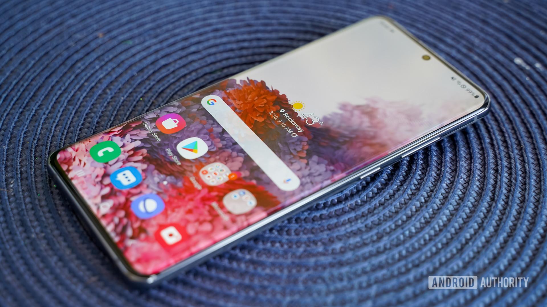 Samsung Galaxy S20 Ultra angled face