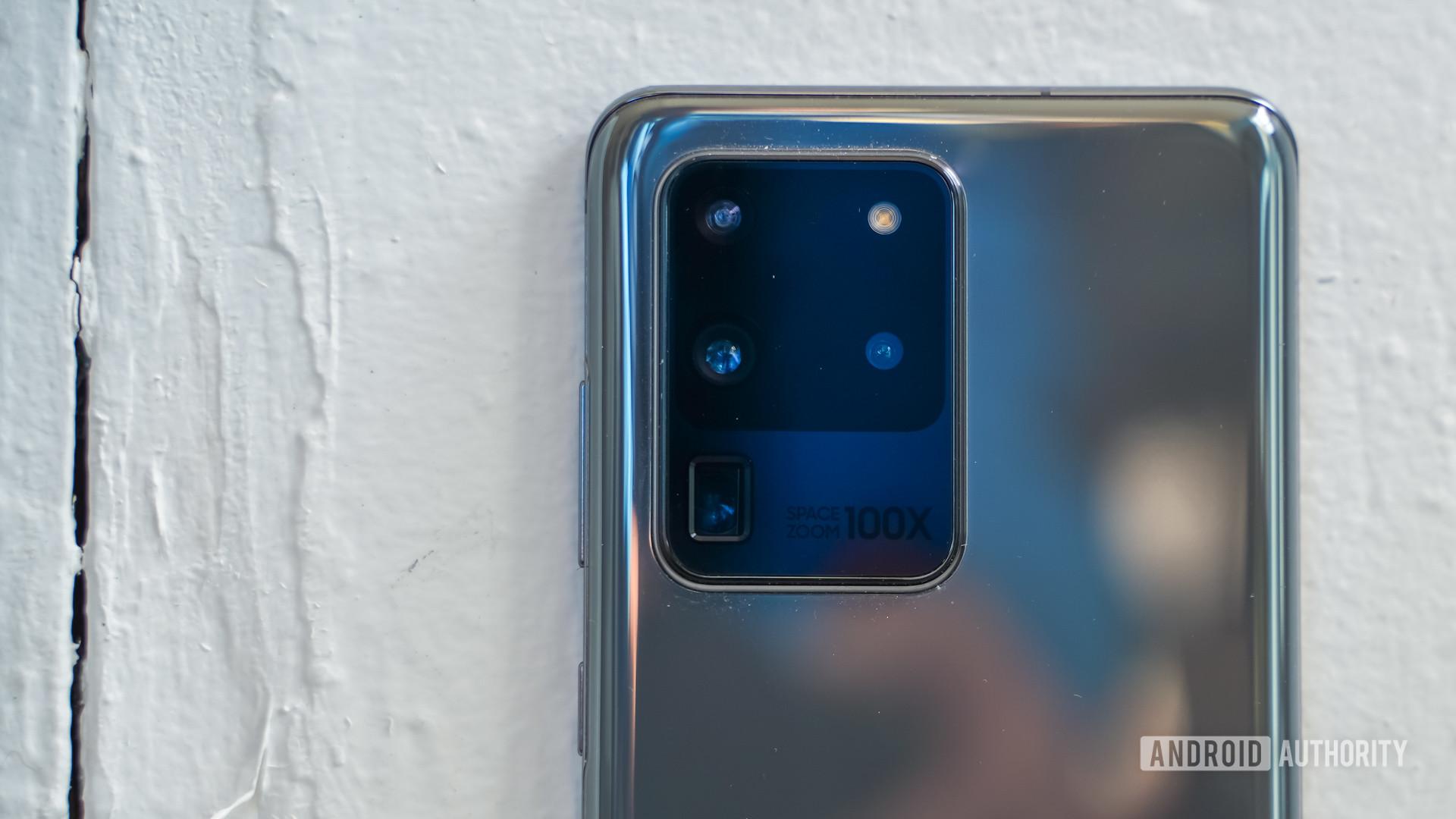 Samsung Galaxy S20 Ultra camera straight on