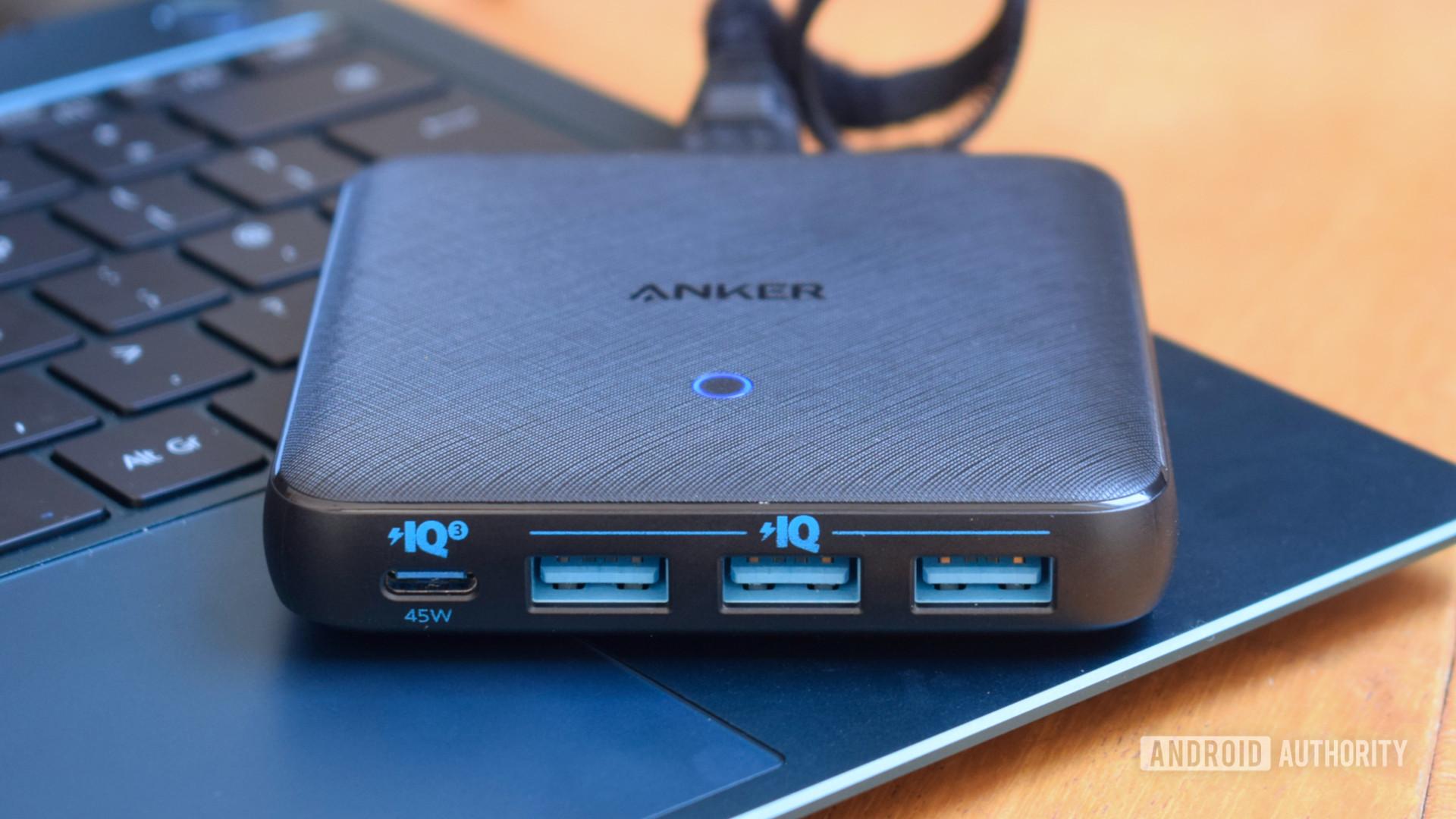 Anker PowerPort Atom III Slim USB ports