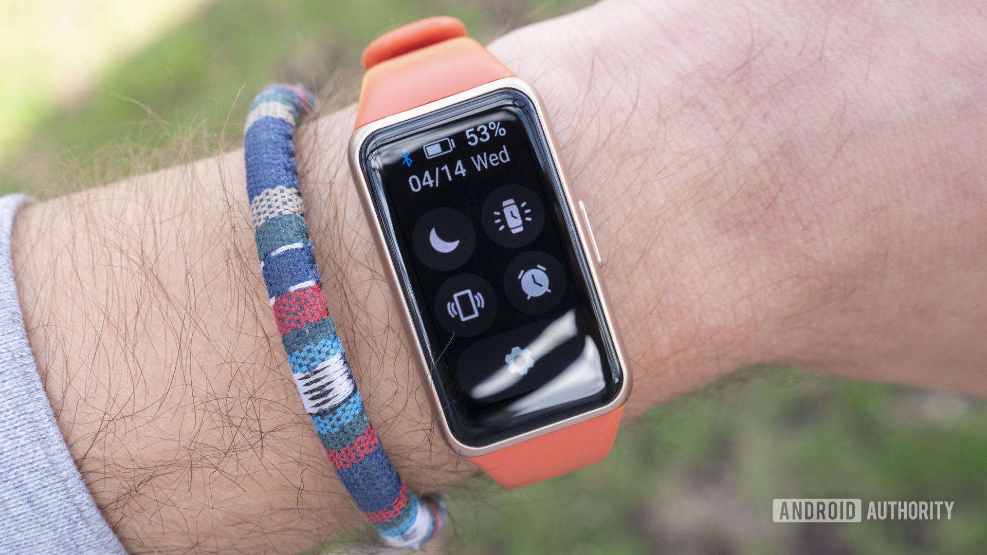 Huawei Band 6 review quick settings on wrist