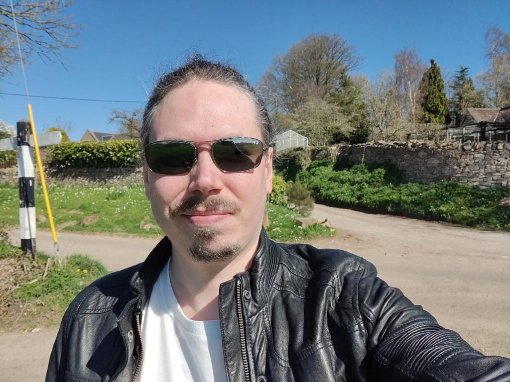 OnePlus 9 Pro camera selfie 1