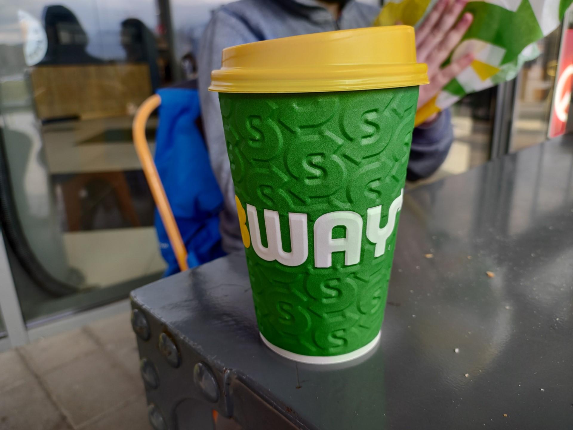 Red Magic 6 camera sample subway coffee cup