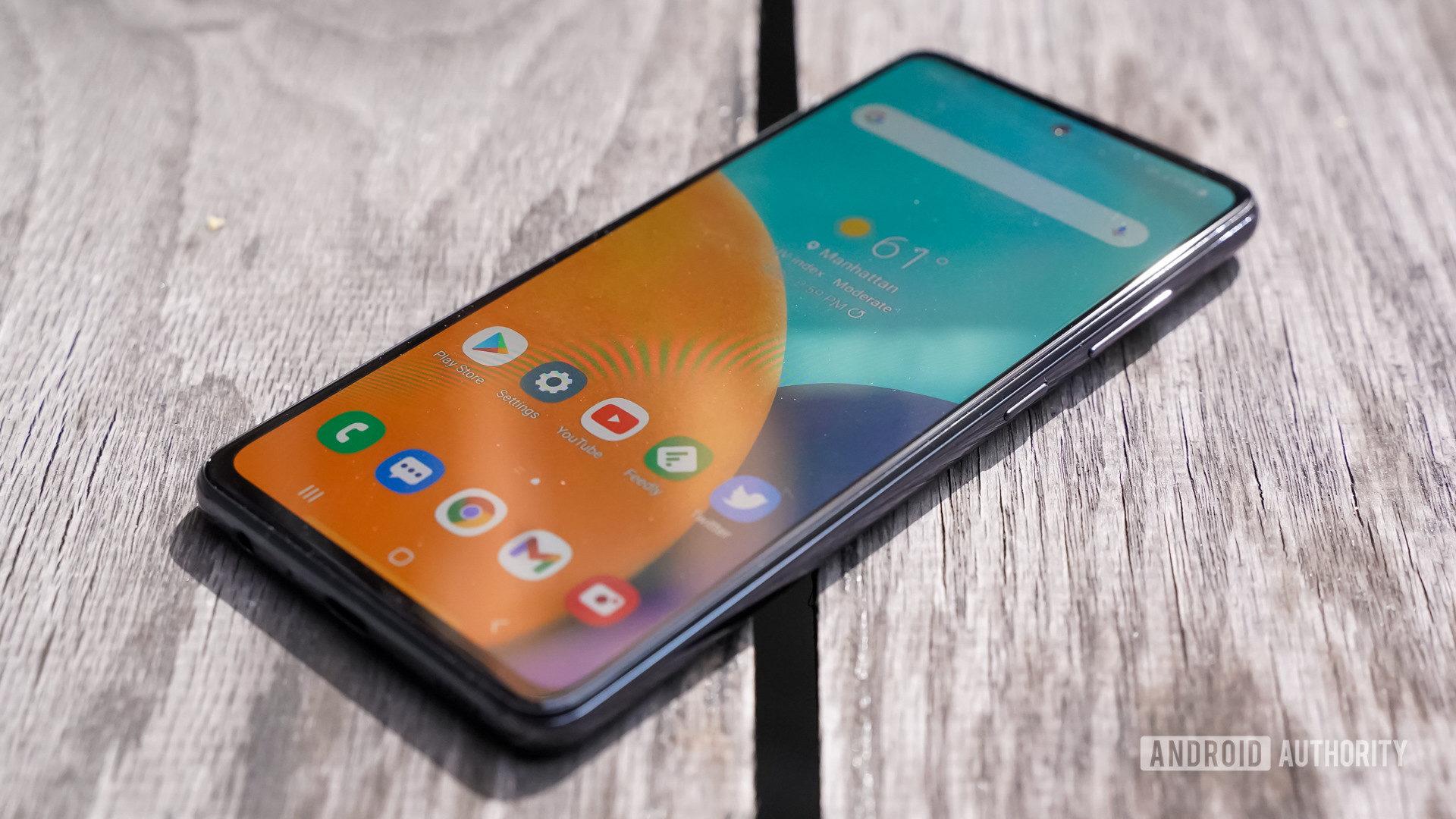 Samsung Galaxy A 52 5G in the sun