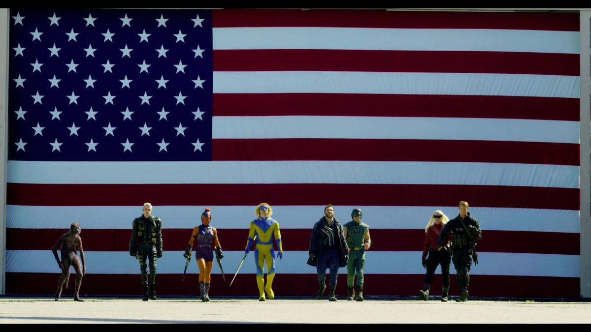 Capture d'écran de la bande-annonce de Suicide Squad 2021 montrant les personnages principaux en train de marcher