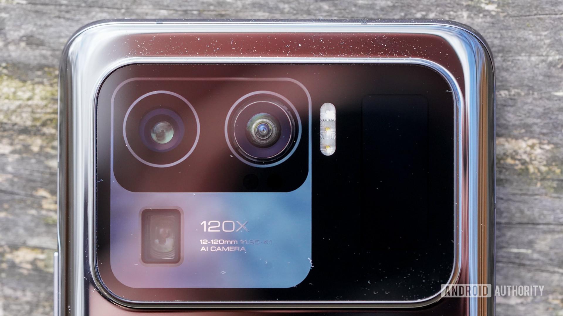 Xiaomi Mi 11 Ultra camera closeup