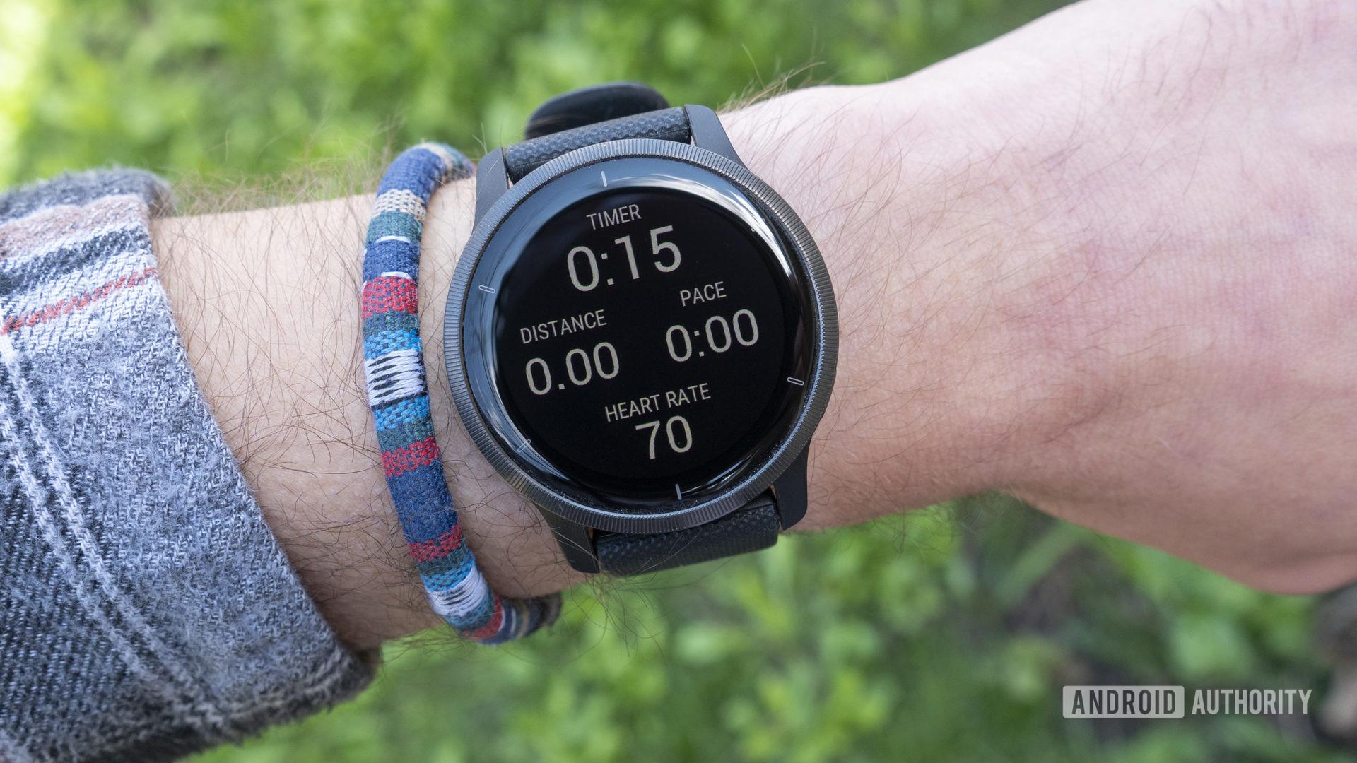 garmin venu 2 review on wrist running stats