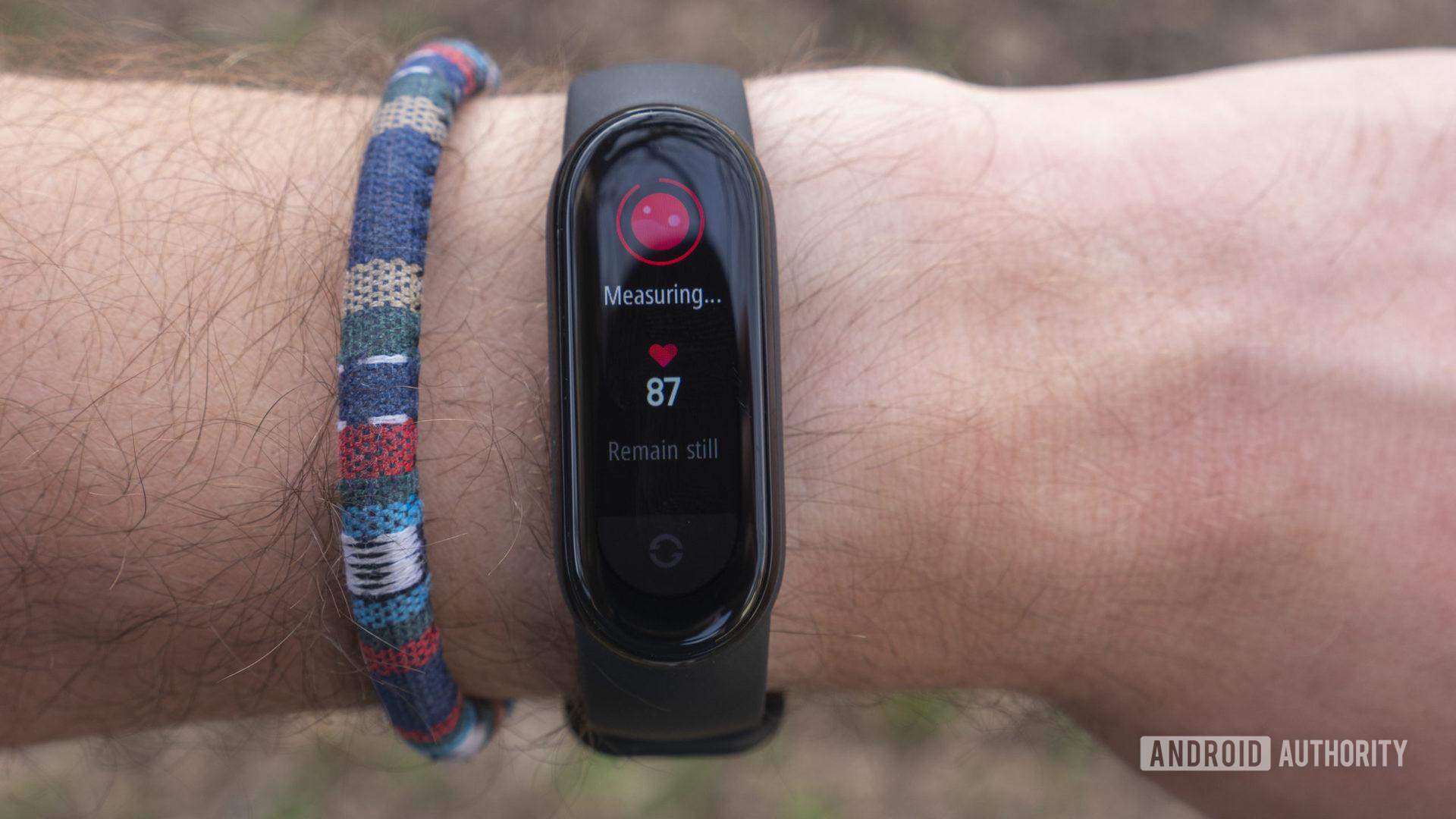 xiaomi mi band 6 review spo2 blood oxygen tracking pulse oximeter
