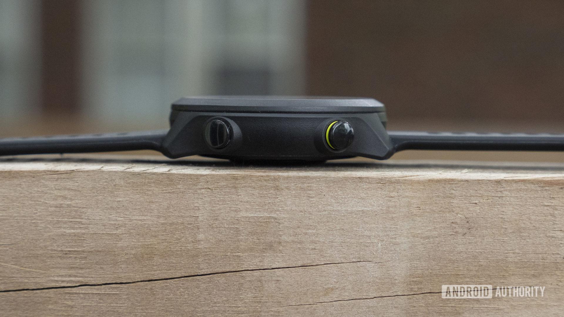 Garmin Forerunner 55 review buttons design hardware