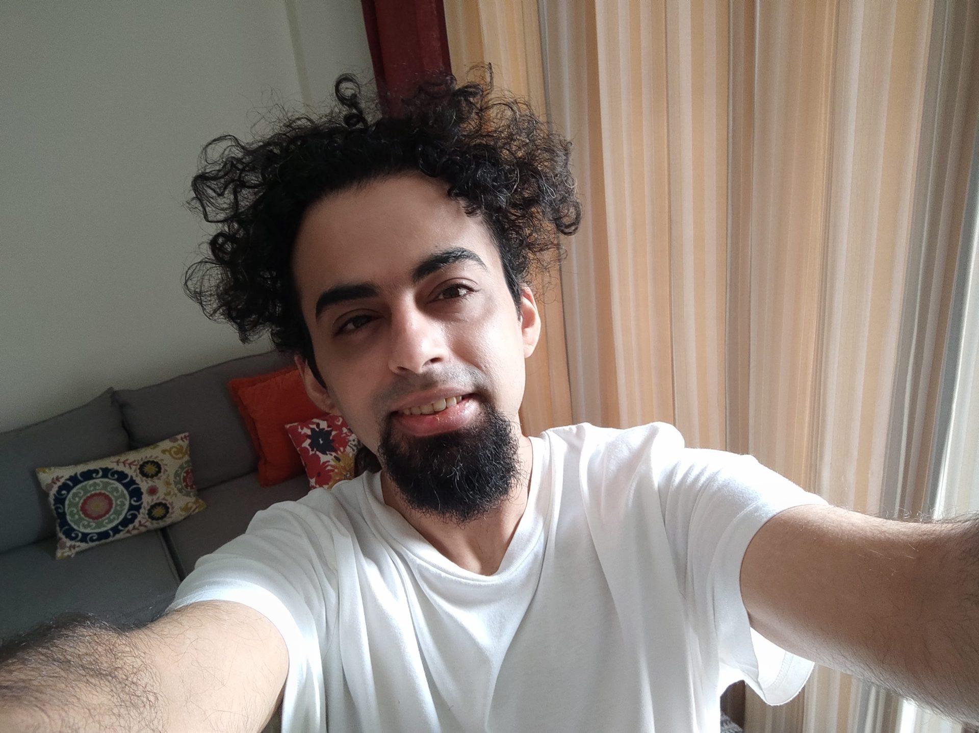 Mi 11 Ultra camera sample selfie